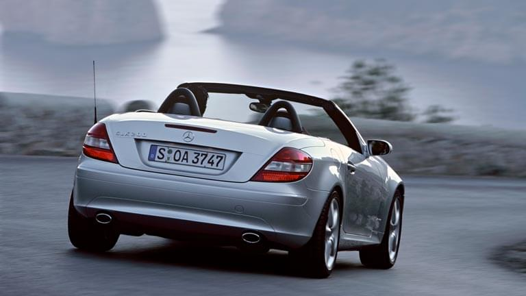 mercedes benz slk 200 information prix alternatives. Black Bedroom Furniture Sets. Home Design Ideas
