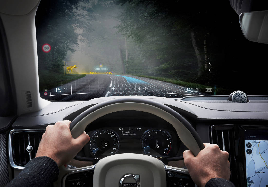 253687 Volvo Cars and Varjo launch world-first mixed reality application for car
